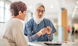 Doctor meets with diabetic patient